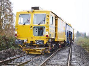USM 09 475 4S 3 300x225 - Kobinierte Gleis- u. Weichenstopfmaschinen