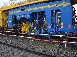 USM 09 4x4 4S 3 300x225 - Kobinierte Gleis- u. Weichenstopfmaschinen