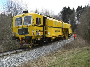 weichenstopfmaschine y 03 300x225 - Weichenstopfmaschinen